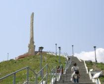 踏みにじられた日章旗 ウランバートル「ザイサンの丘」で見たもの