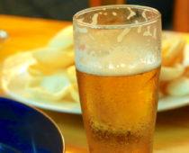 ハノイの宿の神サービス「タダでビール飲み放題」