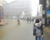 ここは東南アジア?!標高1600m、霧に覆われた街サパに到着