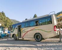 エベレストトレッキングに向けてカトマンズからシバラヤ(ジリ)にバス移動!