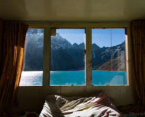 エベレストトレッキング20日目(Dragnag→Gokyo)氷河を越え、ヒマラヤの楽園へ