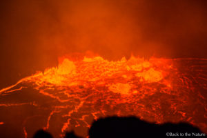 アフリカ・エチオピアの絶景・エルタアレ火山・火口からマグマをのぞく Erta Ale Volcano Ethipia