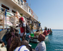 マラウイ湖の秘境チズムル島へ!アフリカ人って効率とか考えないの?